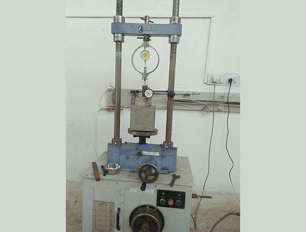 Triaxial Machine, Centre for Construction Methods and Materials, SR University, dru-recruiters